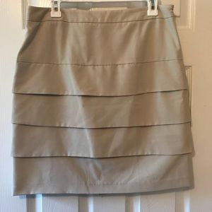 Casual khaki tiered skirt Sz 10 EUC